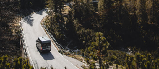 Best 30 road trip songs for your road trip playlist