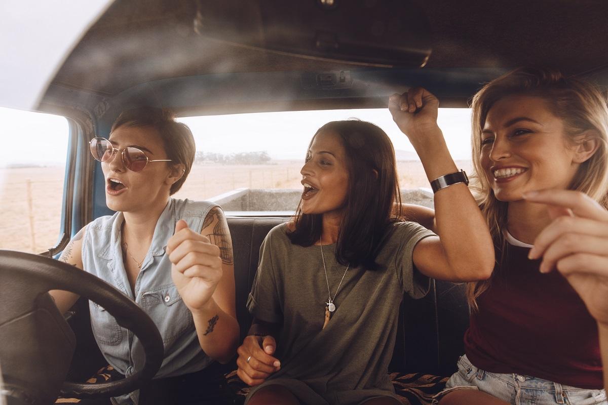 Musica da Viaggio in Auto: La Playlist Perfetta