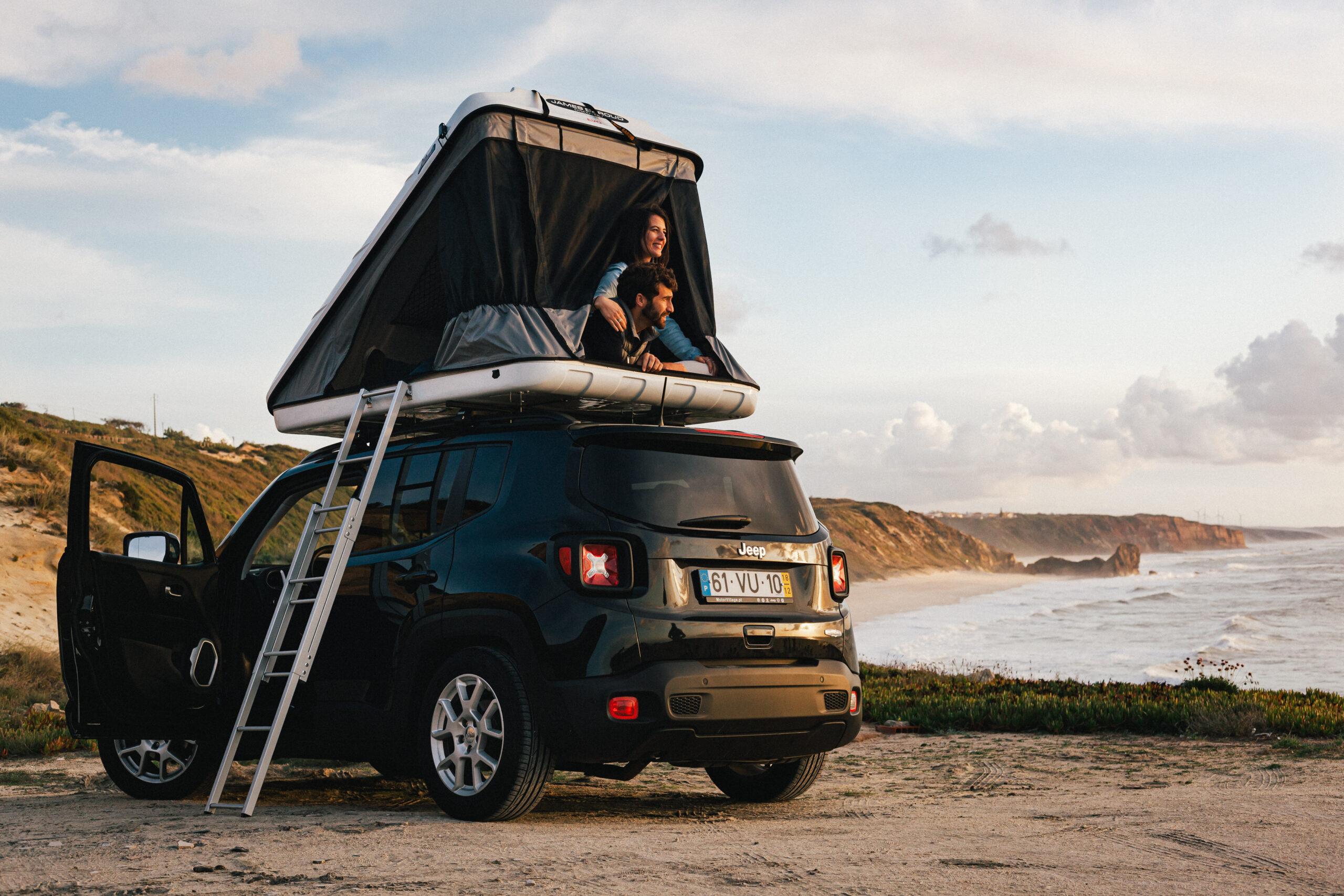 Come montare una tenda sul tetto dell'auto/del camper