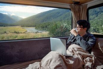 Fare soldi viaggiando: come trovare posti di lavoro per nomadi digitale